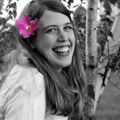 Sarah Newcomer | Social Profile