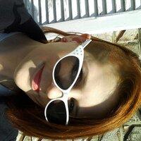 itsme_karyne   Social Profile