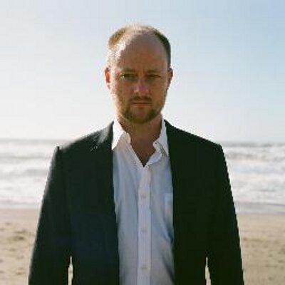 Matt Dellinger   Social Profile