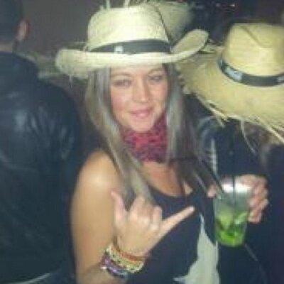 Lourdes Lamela   Social Profile