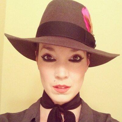 sarah macintosh | Social Profile