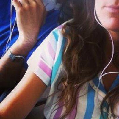 Bárbara León | Social Profile