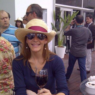 Mónica Figuerola | Social Profile