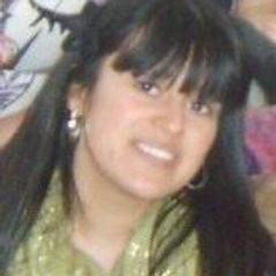 Anett Flores | Social Profile
