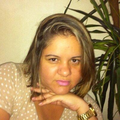 Ana Claudia Gomes | Social Profile