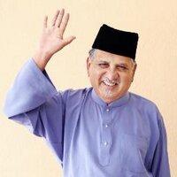 Dr Muhd Nur Manuty | Social Profile