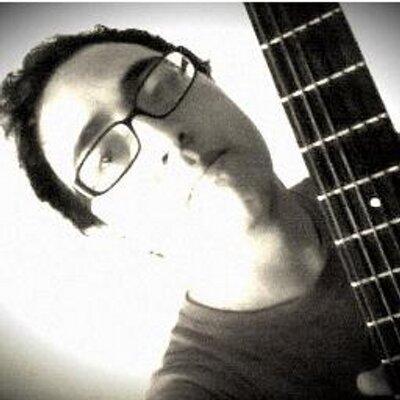 Felipe A.G ♫d{-_-}b♪ | Social Profile