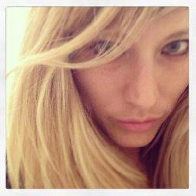 ValentinaContato | Social Profile