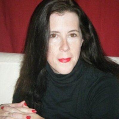 Katie O'Malley ⚓️ | Social Profile