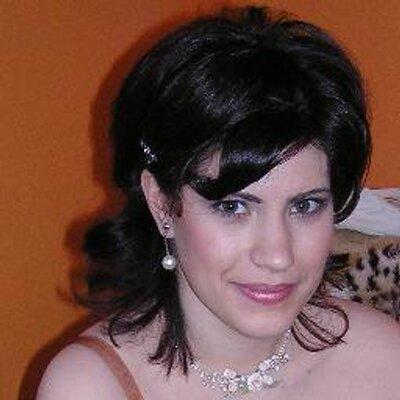Julia AnasLind | Social Profile