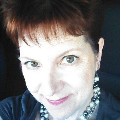 Laurie Scarpelli   Social Profile