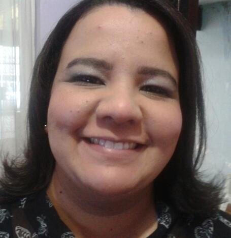 Leticia de Lisboa Social Profile