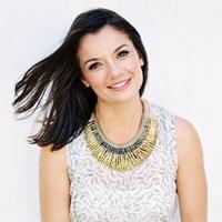 Beth Helmstetter | Social Profile