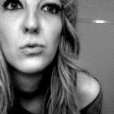 Elle Field | Social Profile