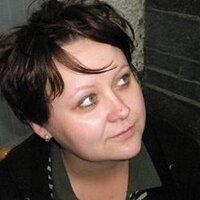 Karolina Majewska | Social Profile