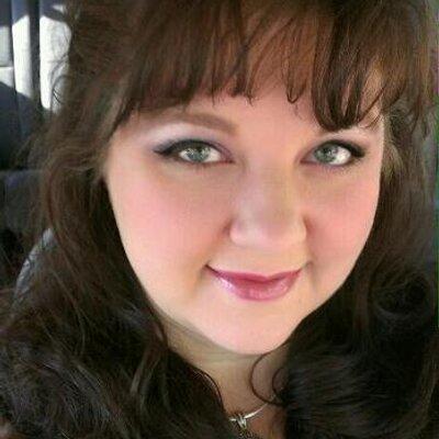 Andrea Bennett | Social Profile