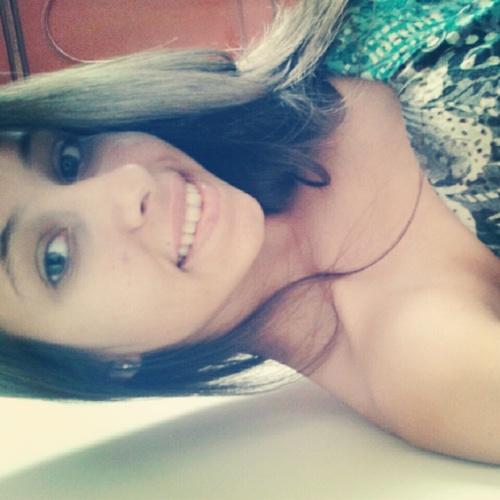 Letícia Social Profile
