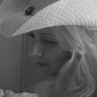 Lanette Capellas | Social Profile