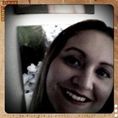 Danielle Dias | Social Profile