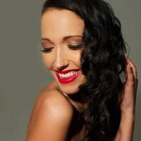 Carly Lomas | Social Profile