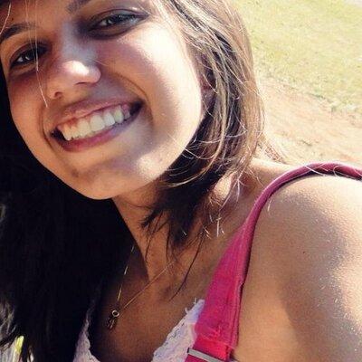 Amanda Ananias  | Social Profile