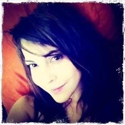Miri Higareda | Social Profile