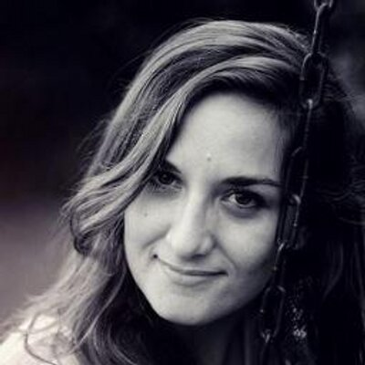 Alejandra Günsche | Social Profile