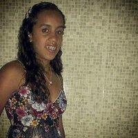 Luellen De Melo | Social Profile