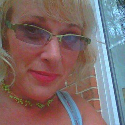 Leslie Dushane | Social Profile