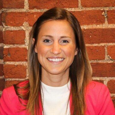 Lindsay Arnett | Social Profile