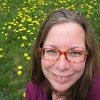 Elizabeth McLennan | Social Profile