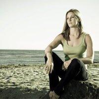 Elyse Saugstad | Social Profile