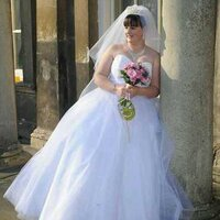 Laura Smith   Social Profile