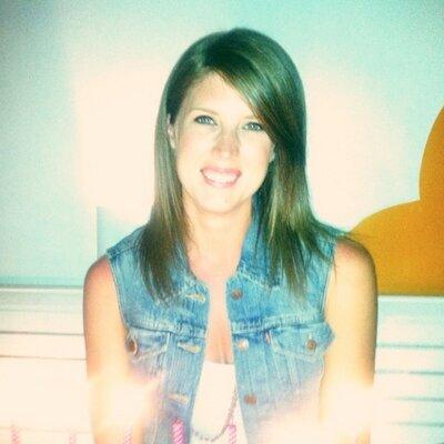Lyndsey   Social Profile