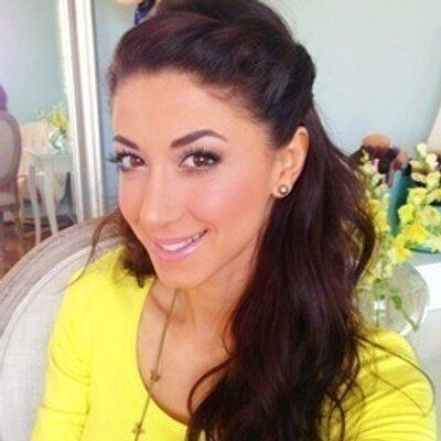 Leyla | Social Profile