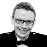 Stephen Neal | Social Profile