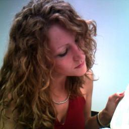Amanda Bell Social Profile