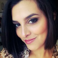 Andrea Luna | Social Profile