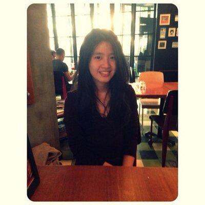 Indri Putri | Social Profile