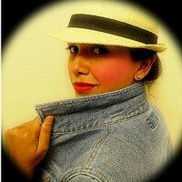 Valerie | Social Profile