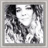 Claudia B | Social Profile