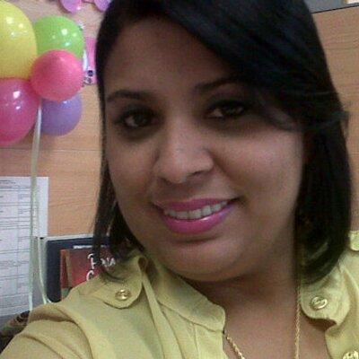 Scarlet εϊз Hidalgo | Social Profile