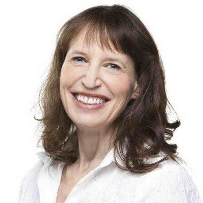 Mia Weinberg | Social Profile