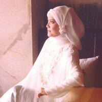 Sri Safitri | Social Profile