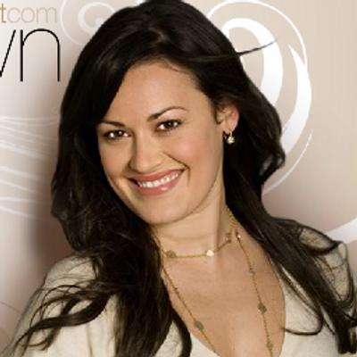 Ashley Brown | Social Profile
