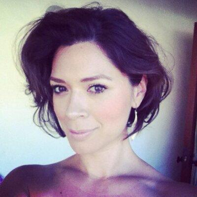 Nicole Leal | Social Profile