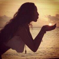 Marisa Q | Social Profile
