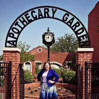Theresa Graves | Social Profile