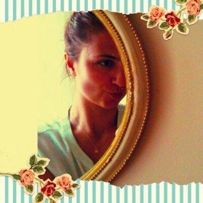 İrem.SK   Social Profile