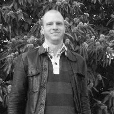Jonathan Gebauer | Social Profile